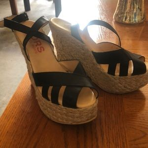 Michael kors wedges straw and black